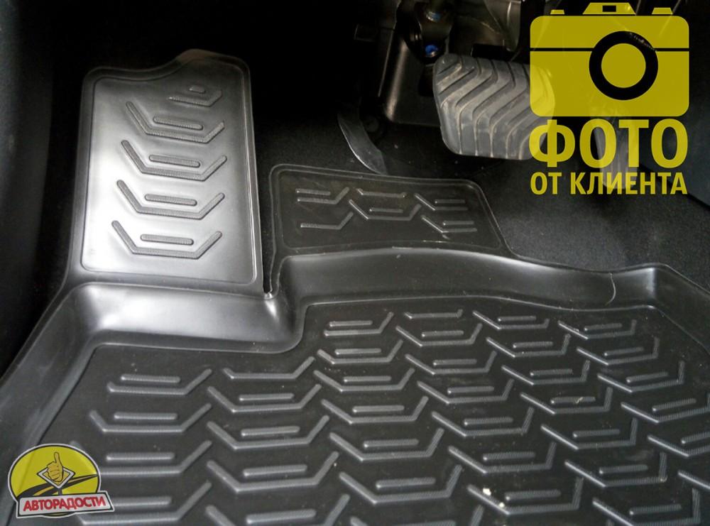 Качественный продукт, новый полимерный материал, коврики оснащены фиксаторами, защита от западания педали газа