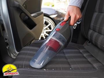 Автомобильный пылесос Black & Decker NV1200AV