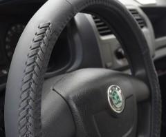 Фото 4 - Чехол на руль черный с декоративными вставками, кожа B402 M