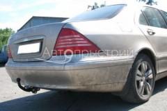 Фаркоп на болтах для Mercedes S-class W220 '98-05 (Avtoprystriy)