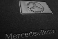 Фото 4 - Коврики в салон для Mercedes CLS-Class C218 '10- текстильные, черные (Премиум), 2 клипсы
