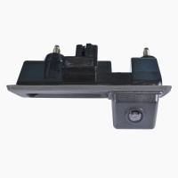Штатная камера заднего вида в ручку багажника Prime-X TR-03 для Audi A4 '08-15