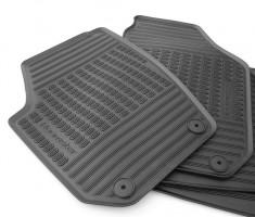 Коврики в салон для Skoda Roomster '07-10, резиновые, черные (VAG-Group) 5J7061550