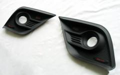 Накладки на противотуманные фары для Toyota Hilux '15-, передние (ASP)
