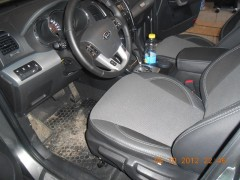 Авточехлы Premium для салона Kia Sorento '10-15 красная строчка (MW Brothers)