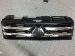 Фото товара 1 - УЦЕНКА! Решетка радиатора для Mitsubishi Pajero Wagon 4 '07- хром/черн. (FPS)