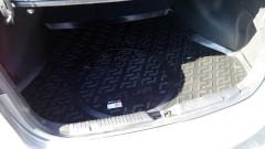 Фото 2 - Коврик в багажник для Kia Cerato '13-17 седан, с полноразмерным зап. колесом, резино/пластиковый (Lada Locker)