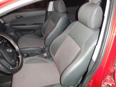 Фото 1 - Авточехлы Premium для салона Hyundai i-30 '07-13, универсал красная строчка (MW Brothers)