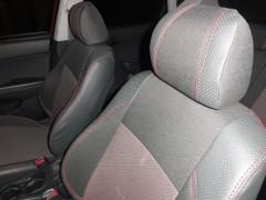 Фото 2 - Авточехлы Premium для салона Hyundai i-30 '07-13, универсал красная строчка (MW Brothers)