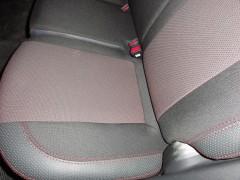 Фото 3 - Авточехлы Premium для салона Hyundai i-30 '07-13, универсал красная строчка (MW Brothers)