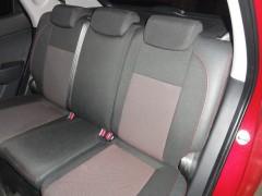 Фото 4 - Авточехлы Premium для салона Hyundai i-30 '07-13, универсал красная строчка (MW Brothers)