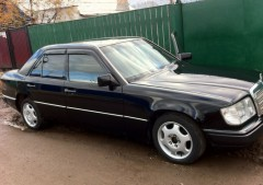 Дефлекторы окон для Mercedes E-Class W124 '84-96, седан (Cobra)