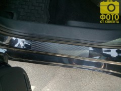 Фото товара 9 - Накладки на пороги карбон для Volkswagen Jetta VI '11- (Premium+k)