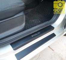 Накладки на пороги карбон для Volkswagen Polo '10- седан / хэтчбек (Premium+k)