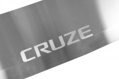 Фото 3 - Накладка с загибом на бампер для Chevrolet Cruze '09- универсал (Premium)