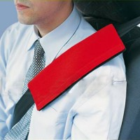 Подушка на ремень безопасности красная