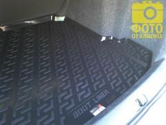 Фото 5 - Коврик в багажник для Volkswagen Jetta V '06-10 седан, резино/пластиковый (Lada Locker)