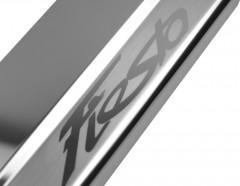 Фото товара 3 - Накладки на пороги для Ford Fiesta VII '09-17 хэтчбек (Premium)