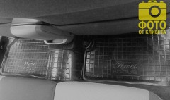 Фото 10 - Коврики в салон для Ford Focus II '04-11 резиновые, черные (AVTO-Gumm)
