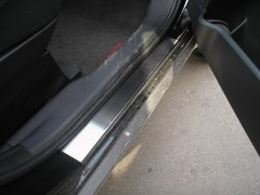 Фото товара 3 - Накладки на пороги для Mitsubishi Outlander '03-07 (Premium)
