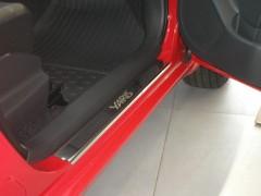 Фото 1 - Накладки на пороги для Toyota Yaris 2006-2010 (Premium)