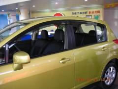 Дефлекторы окон для Nissan Tiida '05-, хетчбек (Hic)