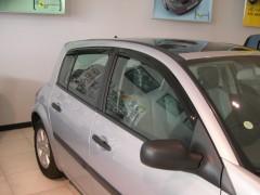Дефлекторы окон для Renault Megane '02-08, хетчбек (Hic)
