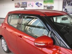 Дефлекторы окон для Suzuki Swift '10-17 (Hic)