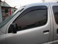 Дефлекторы окон для Toyota Hiace '96- (Hic)