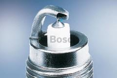 Свеча зажигания Bosch Platinum 0 242 229 680 (WR8LP), 1 шт.