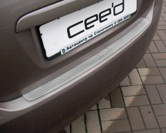 Накладка на бампер для Kia Ceed '06-10 Хетчбек (Premium)