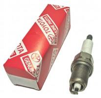 Свеча зажигания оригинальная Toyota 90919-01253, 1 шт.