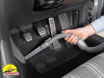 Автомобильный пылесос Black & Decker PD1200AV 12V Dustbuster