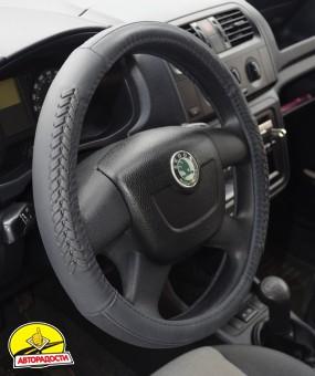 Чехол на руль черный с декоративными вставками, кожа B402 M