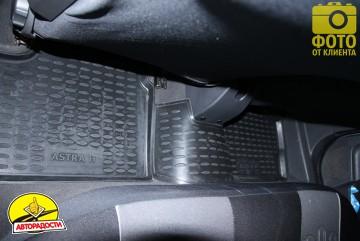 Коврики в салон для Opel Astra H '04-15, хетчбек, полиуретановые, черные (Novline / Element) EXP.NLC.37.21.210