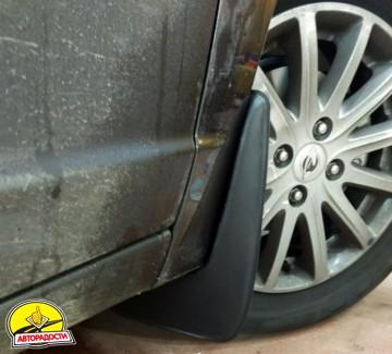 Брызговики передние для Ravon R4 '16- (Lada Locker)