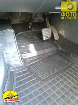 Коврики в салон для Renault Megane '08-16, универсал резиновые, черные (AVTO-Gumm)