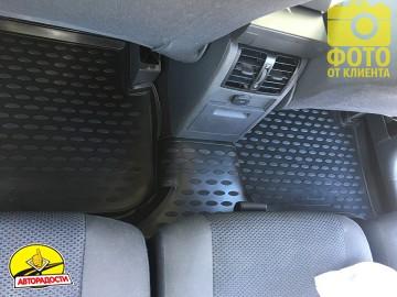 Коврики в салон для Volkswagen Touran '03-15 полиуретановые, черные (Novline)