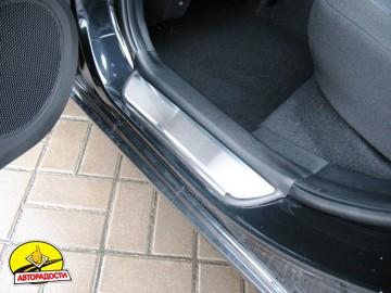 Накладки на пороги для Kia Ceed '12- (Premium)