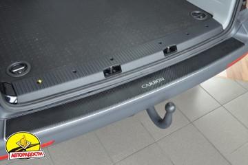 Накладка с загибом на бампер карбон для Volkswagen Transporter T5 '03-15 (Premium+k)