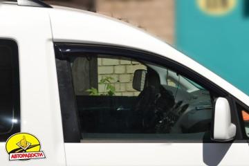 Дефлекторы окон для Volkswagen Caddy '04-15 (Cobra)