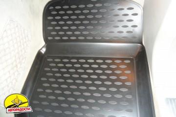 Коврики в салон для Mercedes ML-Class W164 '05-11 полиуретановые, черные (Novline)
