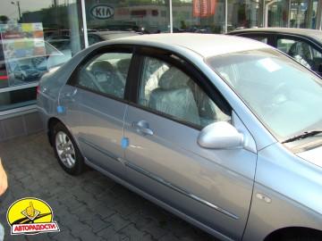 Дефлекторы окон для Kia Cerato '04-09, седан (Hic)