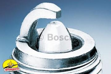 Свеча зажигания Bosch Platinum Plus 0 242 235 541 (WR7DP), 1 шт.