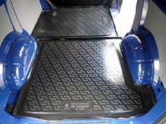 Коврик в багажник для Volkswagen Transporter T5 '03- (задний), резино/пластиковый (Lada Locker)
